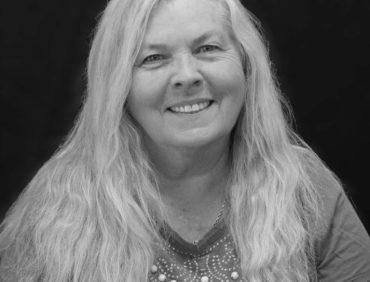 Linda Smart, Customer Service Rep